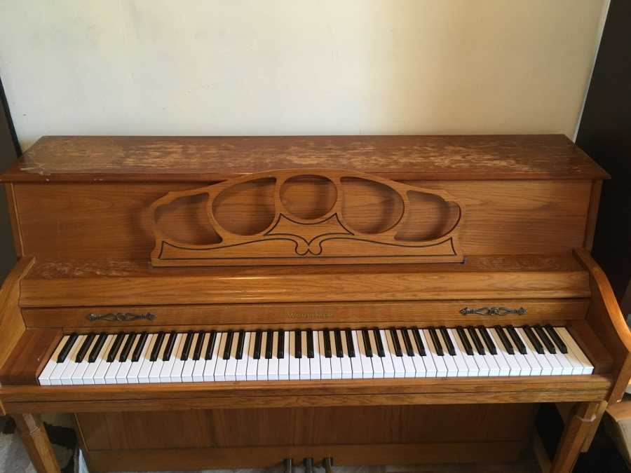 Wurlitzer Upright Well Maintained Image 1
